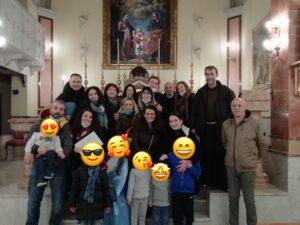 Il gruppo CasaVeraIcona nel giorno della firma dello statuto nella chiesa di S. Agnese ai Danisinni